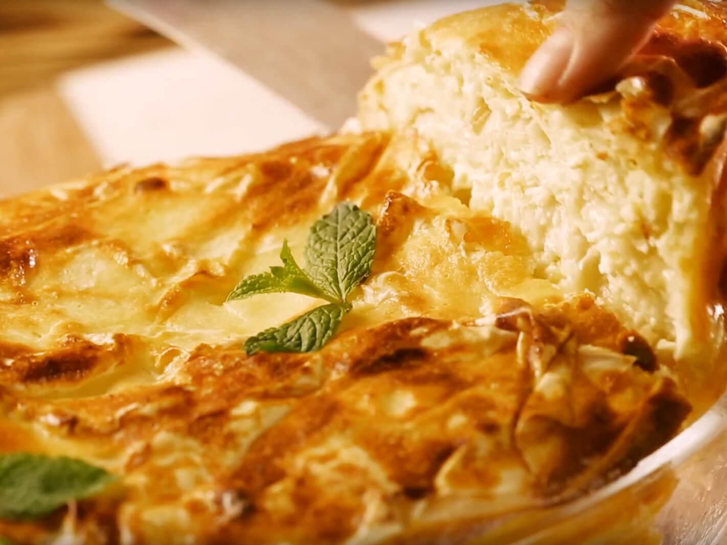 Plăcintă cu brânză dulce și iaurt