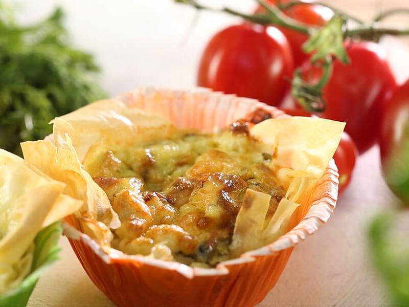 Coșulețe cu ciuperci și brânză de burduf