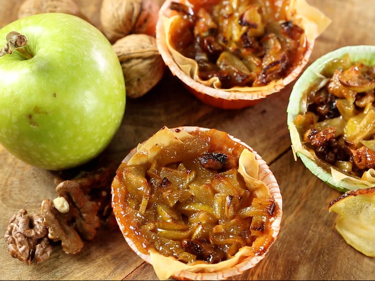 Coșulețe cu mere și nuci